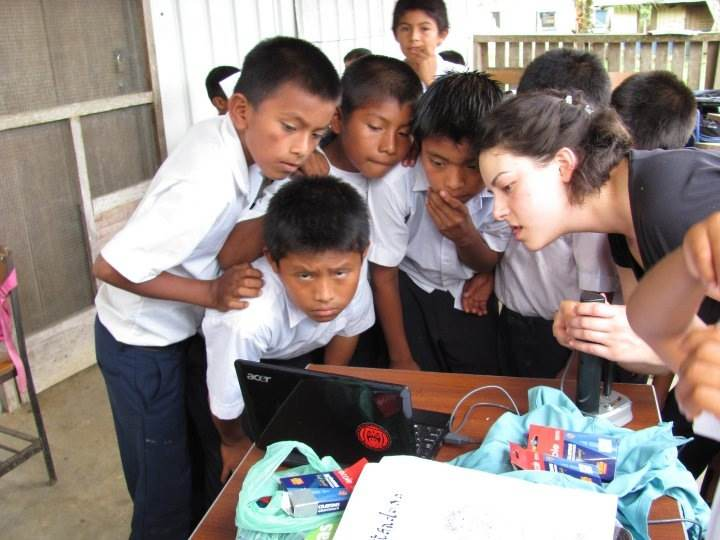 Microscope being used in a Panamanian community for an EWB project